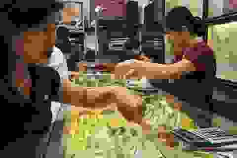Giá vàng SJC tăng mạnh ngược chiều thế giới