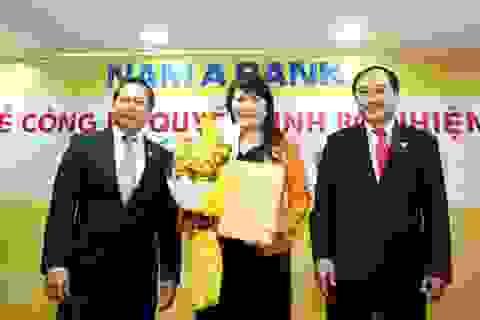 """Nữ doanh nhân 8X vào """"ghế nóng"""" Nam A Bank"""
