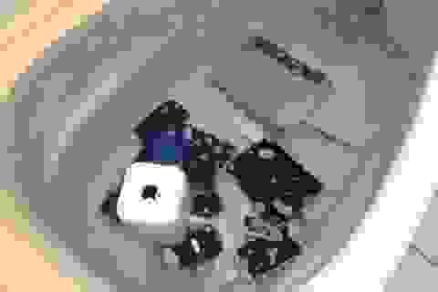 """Khi loạt sản phẩm của Apple bị """"trút giận"""""""