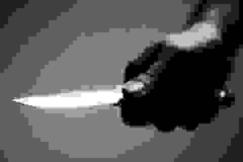 Dùng dao cắt cổ người yêu rồi tự tử
