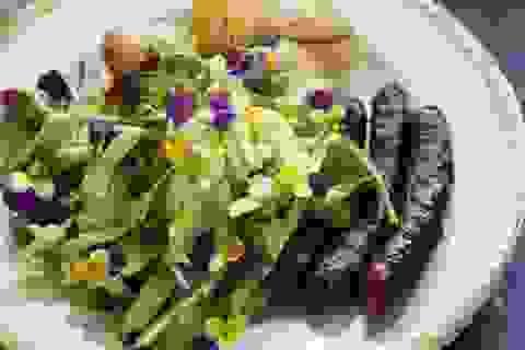 8 loại thực phẩm nên hạn chế trong mùa hè