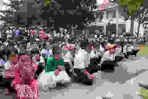 Đắk Lắk: Phụ huynh tự mua đồng phục cho học sinh