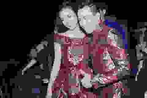 Trấn Thành, Hoàng Oanh bất ngờ mặc đồ đôi