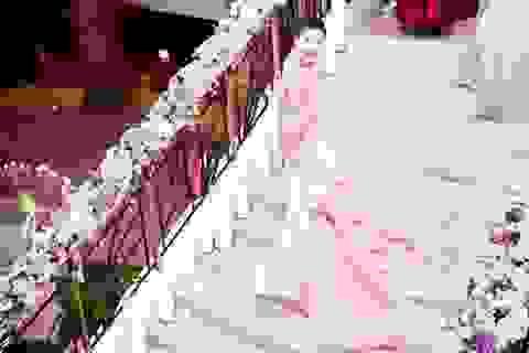 Á hậu Hoàng Oanh tươi tắn bên Quý bà Thu Hương