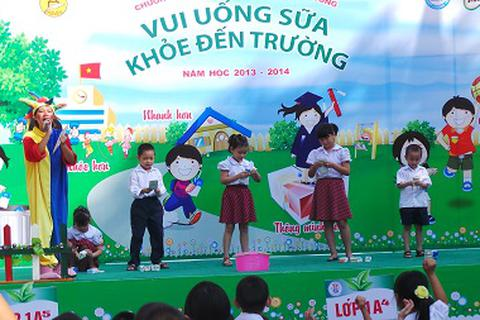 Học sinh tiểu học hào hứng thi bảo vệ môi trường