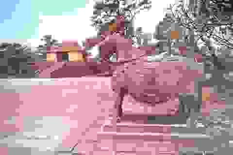 """Ngắm """"dàn"""" ngựa đá độc đáo trong lăng vua Nguyễn"""