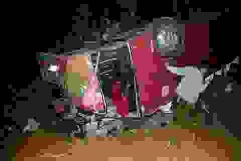 Xe khách gặp nạn thảm khốc đã phớt lờ biển cấm và can ngăn