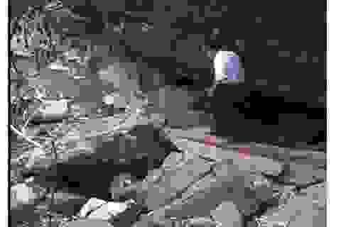 """Lấp """"hang vàng"""", ngăn hàng ngàn người dân đổ về khai thác"""