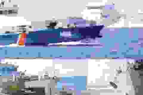 TƯỜNG THUẬT: Trong vòng vây tàu hộ vệ tên lửa Trung Quốc