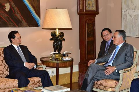 Thủ tướng hội kiến Tổng thống Bồ Đào Nha