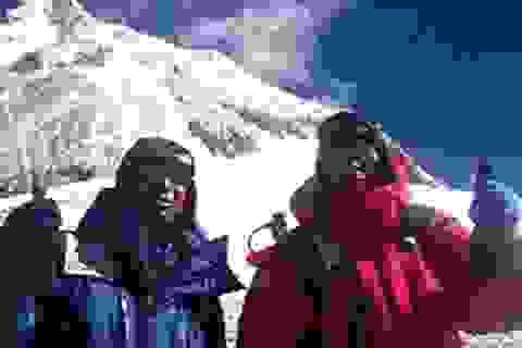 """80 tuổi vẫn """"đánh bại"""" đỉnh Everest"""