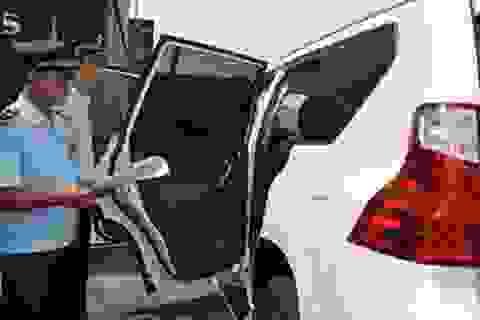5 xe Lexus không ai nhận: Có dấu hiệu trốn thuế?