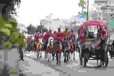 Màn diễu hành ngựa náo nhiệt của VietJet Air ngày khai trường đường bay Đà Lạt