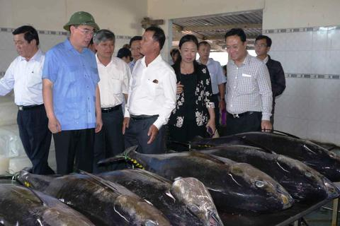 Chủ tịch UBTƯMTTQ Việt Nam: Cần tăng cường đối thoại với ngư dân