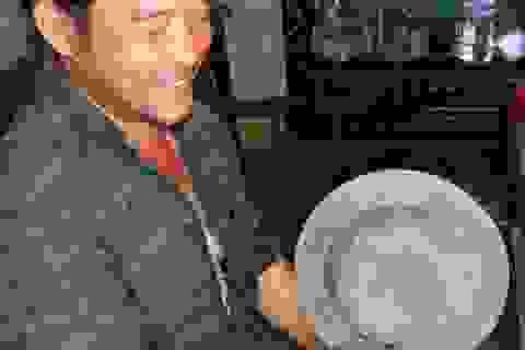 Đào đất phát hiện hũ sành cổ niên đại hơn 300 năm