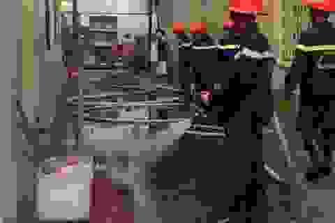 Rò rỉ khí gas, tiệm ăn suýt bị thiêu rụi
