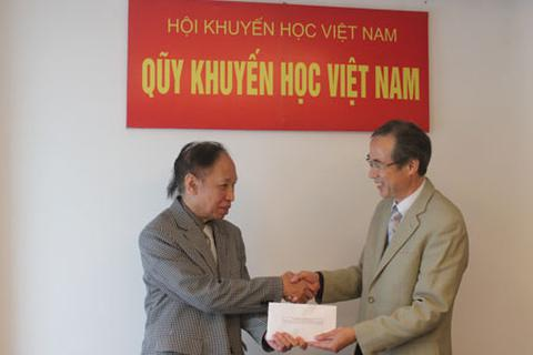 Tổ chức Shinnyo-en tiếp tục tài trợ 5.000 USD giúp học sinh, sinh viên nghèo miền Trung
