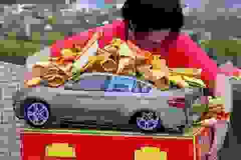 Đổ tiền mua iPhone, vàng thỏi, siêu xe Tết Thanh minh