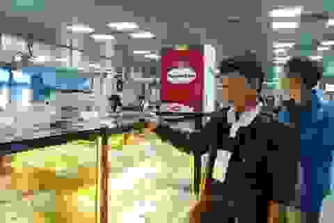Nhịn ăn vì đồ ăn tại sân bay quá đắt