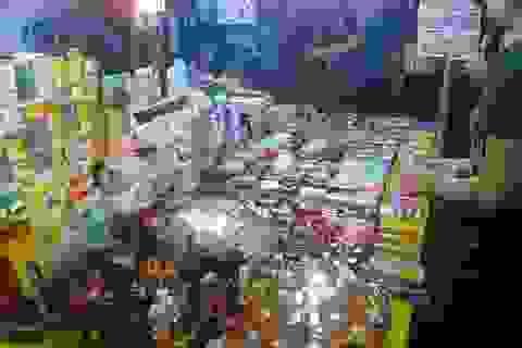 Hiểm họa từ mỹ phẩm ngoài chợ đêm…