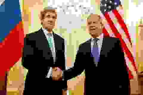 Chính biến Ukraine: Nga-Mỹ điện đàm, NATO lấn vạch