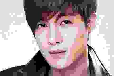 Kim Hyun Joong tiếp tục bị bạn gái mang bầu khởi kiện