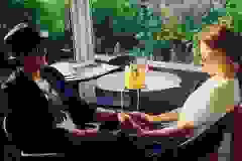 Bae Yong Joon lần đầu khoe ảnh chụp chung với vợ tương lai