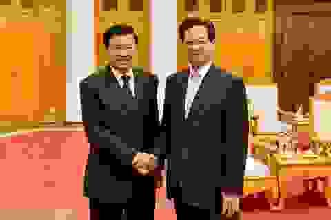 Thủ tướng cam kết hỗ trợ các dự án thuỷ điện triển khai tại Lào