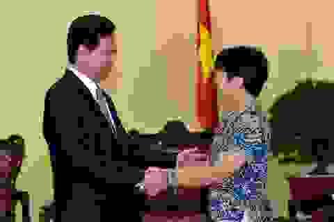 Thủ tướng tiếp nữ giáo sư thiên văn học gốc Việt nổi tiếng thế giới