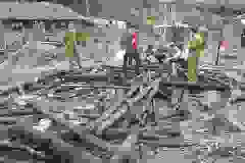 Lửa thiêu rụi ba ngôi nhà gỗ trong đêm mùng 3 Tết