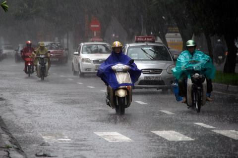 """Chiều tối mai, miền Bắc được """"giải nhiệt"""" bằng mưa giông"""