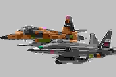 Iran trình làng máy bay chiến đấu tự chế Saeqeh thế hệ 2