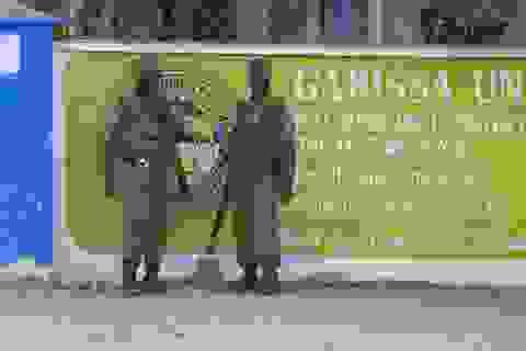 Kenya bắt giữ 5 nghi can tấn công đẫm máu trường học