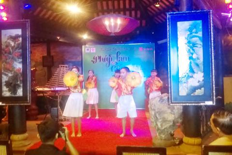 Triển lãm nghệ thuật pháp lam và gốm sứ tại Đà Nẵng