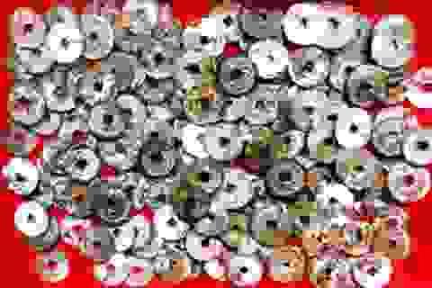 Đào móng nhà, phát hiện gần 6kg tiền cổ