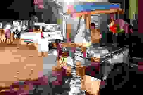 """Thợ rửa xe lái taxi, bé gái 10 tuổi bị """"nuốt"""" vào gầm"""