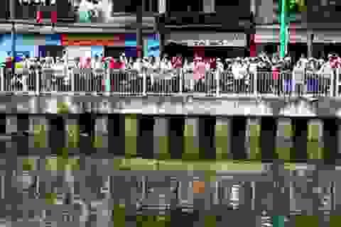 Xác chết lõa thể nổi trên kênh Nhiêu Lộc - Thị Nghè