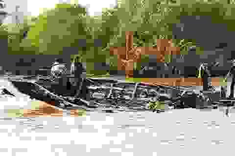 Bộ trưởng Đinh La Thăng cảm ơn các gia đình cứu nạn vụ cháy tàu