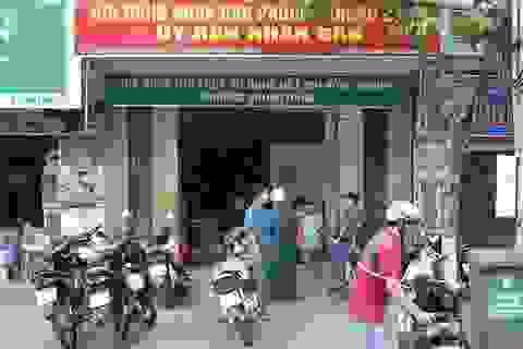 Khởi tố nhóm côn đồ truy sát một thanh niên tại trụ sở UBND phường