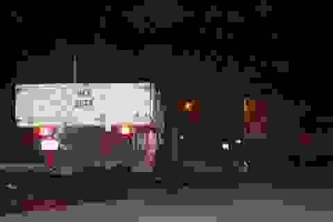 Bị xe tải cán khi ngã xuống đường, một người tử vong