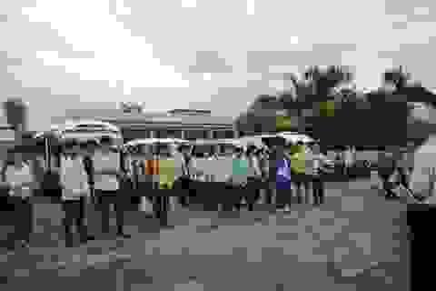 Cả làng góp tiền thuê xe cho thí sinh đi Hà Nội dự thi