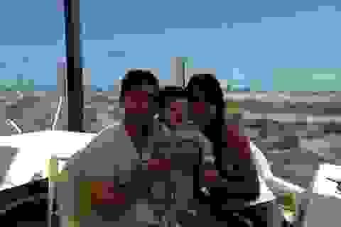 Messi công khai tấm hình đầu tiên của con trai