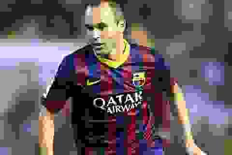 Iniesta được bình chọn là tiền vệ tổ chức xuất sắc nhất năm 2013