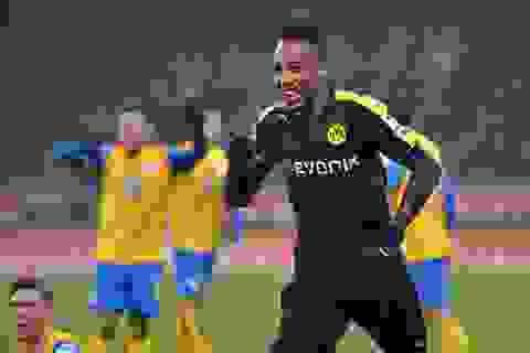 Dortmund giành 3 điểm nhọc nhằn tại Eintracht-Stadion