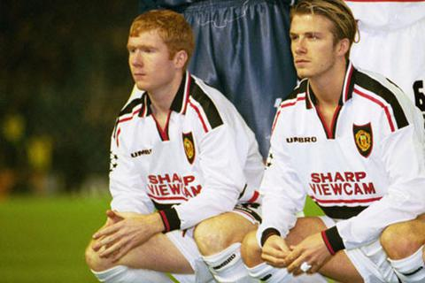 Beckham, Giggs, Scholes giải cứu MU khỏi nhà Glazer?