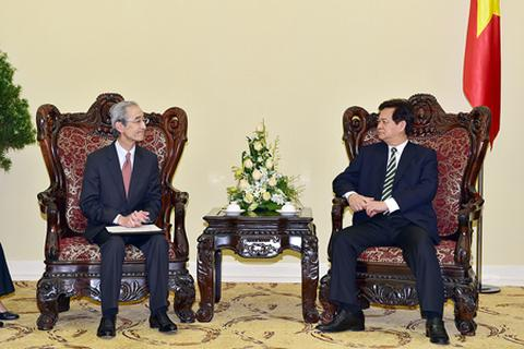 Thủ tướng: Nhà đầu tư nước ngoài được mua hơn 30% cổ phần các ngân hàng Việt Nam