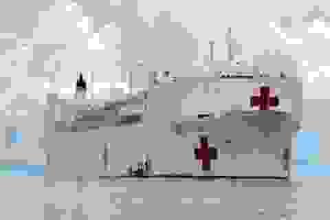 Tàu bệnh viện USNS Mercy của Mỹ cập cảng Cửa Lò