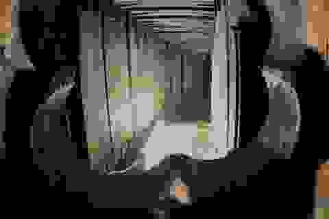 Trộm táo tợn đào đường hầm 45m đột nhập vào nhà băng