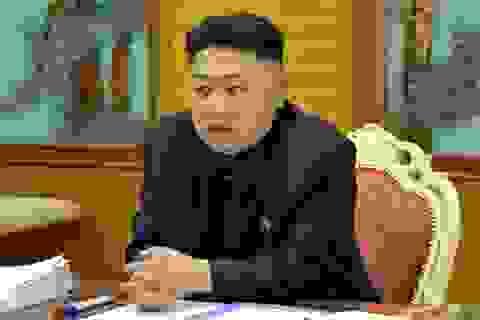 """Ông Kim Jong-un lệnh """"xử"""" phụ tá của chú khi """"rất say"""""""