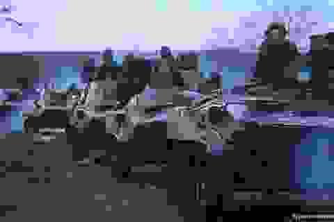 """Đến lượt Tổng thống Putin cảnh báo Ukraine """"trên bờ vực nội chiến"""""""